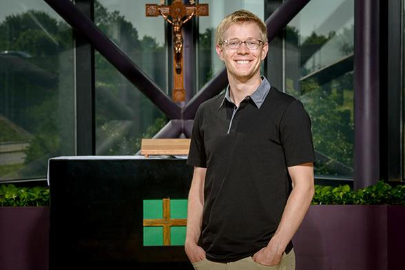 Vicar Paul Flo